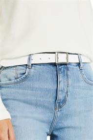 Aus Leder: feiner Gürtel im Basic-Look