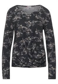 Blumen-Shirt mit Knoten