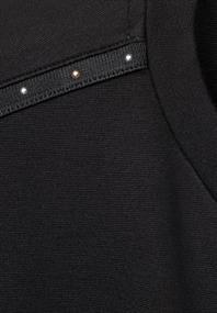 Jerseykleid mit Nietendetail
