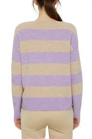 Mit Wolle: Pullover mit Blockstreifen